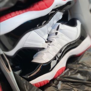 "Jordan 11 low ""white bred"""